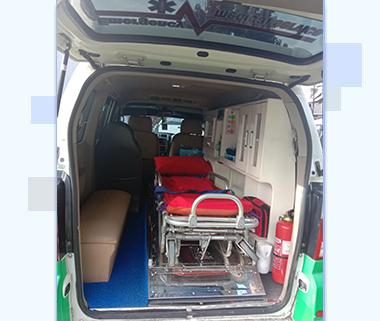 home-ambulance-emergency-jasa-ambulance-jakarta-min